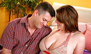 Fat MILF Lisa Sparxxx got her heated cunt fucked properly