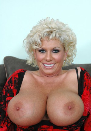 Lustful mom Claudia Marie brings out big tits and spreads mature cunt
