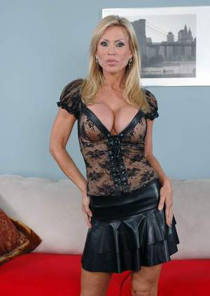 Gorgeous mature hottie Amber Lynn revealing perfect tits and booty
