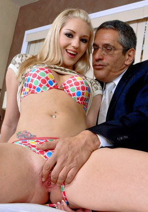 Blond wife Kylee Reese stripped off cute underwear and fucked hard
