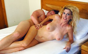 Sexy mom with huge boobs Sugar Kane fucking meaty dick in her bedroom