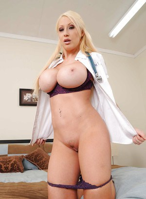 MILF bombshell Candy Manson exposing smashing boobs and tight cunt