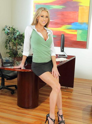 Hot office babe in heels Carolyn Reese stripping on her desk