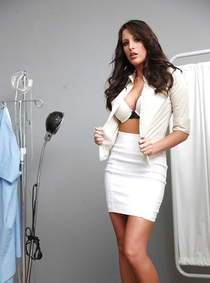 Hot babe with awesome breasts Kortney Kane comes for gyno exam