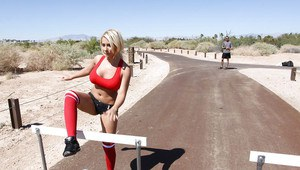 Blonde Madison Ivy with big tits combines sport and sex outdoor