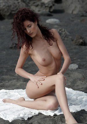 Legged curly pornstar babe poses with spreading outdoor