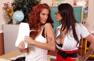 Lesbian teacher Rosie De Luna with big tits is fucking her girl