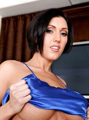 Hot MILF Dylan Ryder with big tits is showing her excellent body