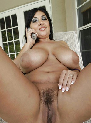MILF plumper with big boobs Jaylene Rio is spreading her pussy