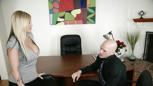 Big titted babe Memphis Monroe gets into the best office for sex