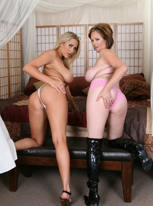 Lesbian wives Katie Kox and Alanah Rae lick each other's pussy