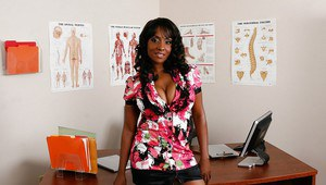 Office ebony babe with big hooters Sincerre Lemore licking her tits