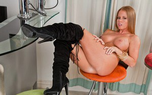 Hot wife with a big booty Nikki Delano strips to show her piercing