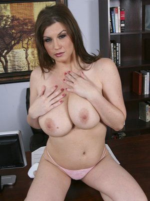 Chubby babe Sara Stone spreads her legs to show her tight asshole
