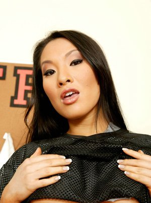 Asian cutie Asa Akira with big tits gets undressed to show her body