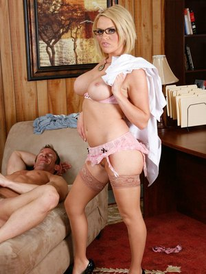 Big titted babe Krissy Lynn in stockings gets naked for ass fucking