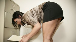 MILF babe Claire Dames on high heels shows her hot ass in miniskirt