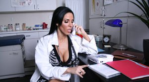 Hot babe Veronica Rayne is fucking hardcore in her doctor's office