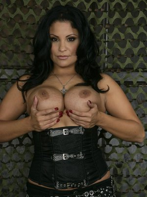 Busty Latina MILF Lisa Ann playing with her hot spread pussy