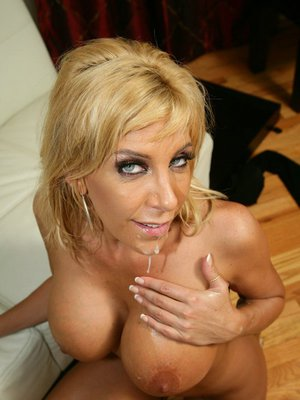 MILF wife with big hooters Misty Vonage gets a cock deep in her cunt
