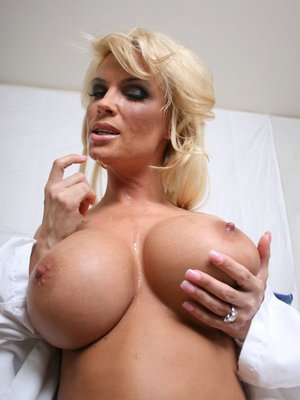 Big titted Diamond Foxxx can't wait to spread her legs for fucking
