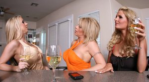 Hot MILFs Phoenix Marie, Carolyn Reese and Brooke Haven in a gangbang