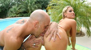 Hot MILF Flower Tucci gets her perfect round ass pounded at the pool
