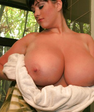 Plump girl Rachel Aldana gets in the shower to play with her hot tits