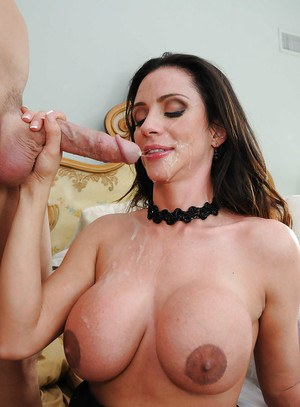 Latina MILF with huge juggs Ariella Ferrera gets fucked by Johnny Sins