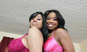 Ebony MILF babes Jadena and London showing their big hot booty