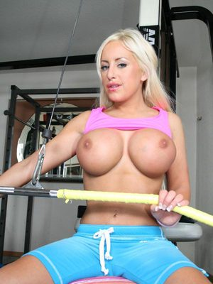 Flexy sports babe with big boobs Savanah Gold exposes her hot body