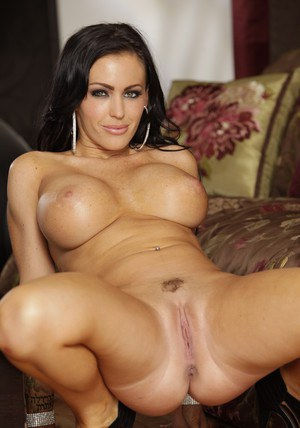 Latin wife babe Jenna Presley stripping off lingerie to finger pussy