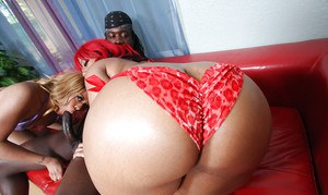 Ebony MILF babe with a big ass Luscious Louis has groupsex