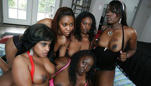 Busty ebony babes Kali Dreams and her girls have dirty groupsex