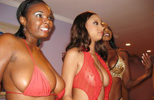 Ebony babes with big tits Angel Cummings and her friends pose naked