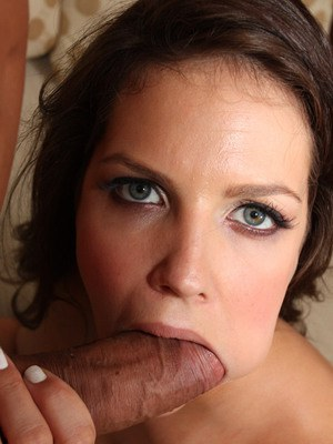 MILF babe Bobbi Starr fucking in stockings and giving a deepthroat bj