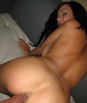 Teen babe with a big ass Britney Brighton gets a creampie after fuck
