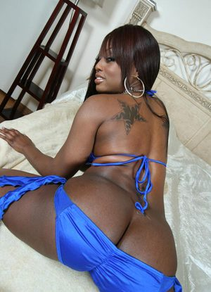 Big titted ebony MILF babe Jada Fire showing her wet booty