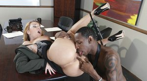 Handjob, pussy lick and fingering during interracial with Janet Mason