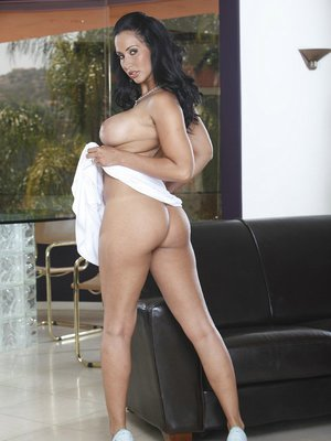 Babe milf Isis Love demonstrating nice ass and great big boobies