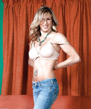 Amateur MILF Gianna Phoenix strips off jeans and white underwear