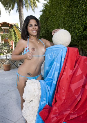 Latina babe Jasmine Blaze takes off her bikini to expose her cunt