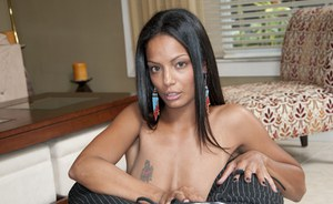 Latina handjob by Adriana Milano makes this brunette panther satisfied