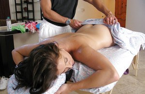 Hot cheerleader Gracie Glam gets vibrated and jizzed after a massage