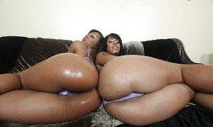 Black babes Leilani & Momoko exposing their ripe butts in underwear