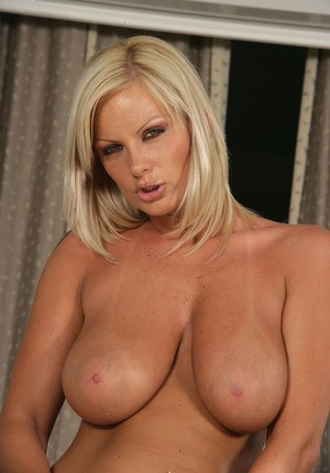 Big tits and tight panties make milf Sheila Grant extremely dangerous