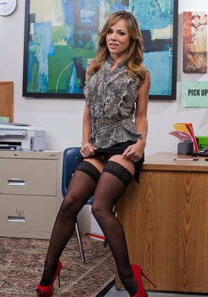 Latina babe Kristina Rose enjoys spreading her pussy in empty office