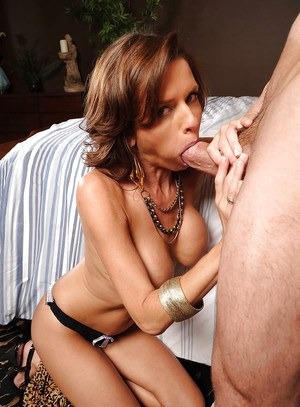 Hardcore anal and blowjob for milf wife Veronica Avluv cheers her up