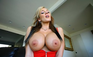Dazzling babe Nikki Sexx exposing her big tits and booming booty