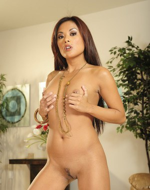 Asian MILF babe Kaylani Lei spreading her shaved pussy and ass
